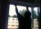 """Oczywiście zaczynamy od mierzenia okna. Interesuje nas tzw. """"światło okna"""", czyli rzeczywisty wymiar OTWORU."""